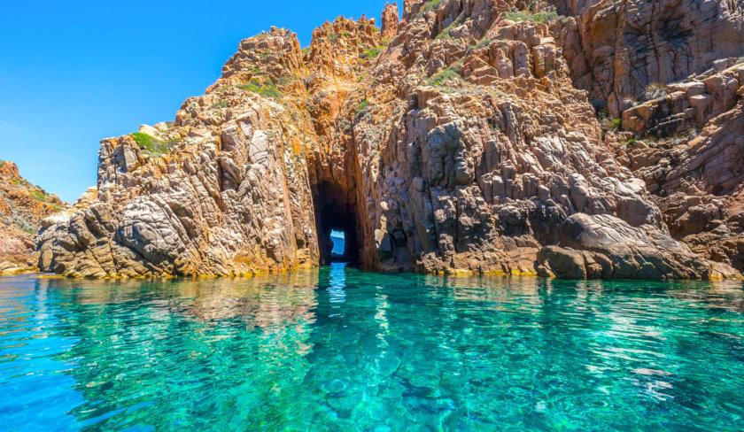 Partir en Corse pendant les vacances : destination idéale