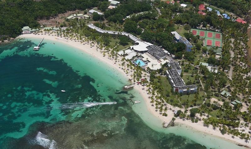Faire la visite de la plage de la Caravelle en Guadeloupe