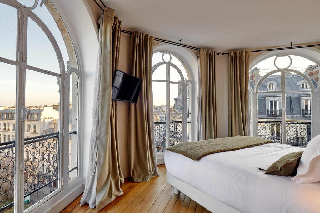 Chambre d'hôtel Paris avec vue sur la ville