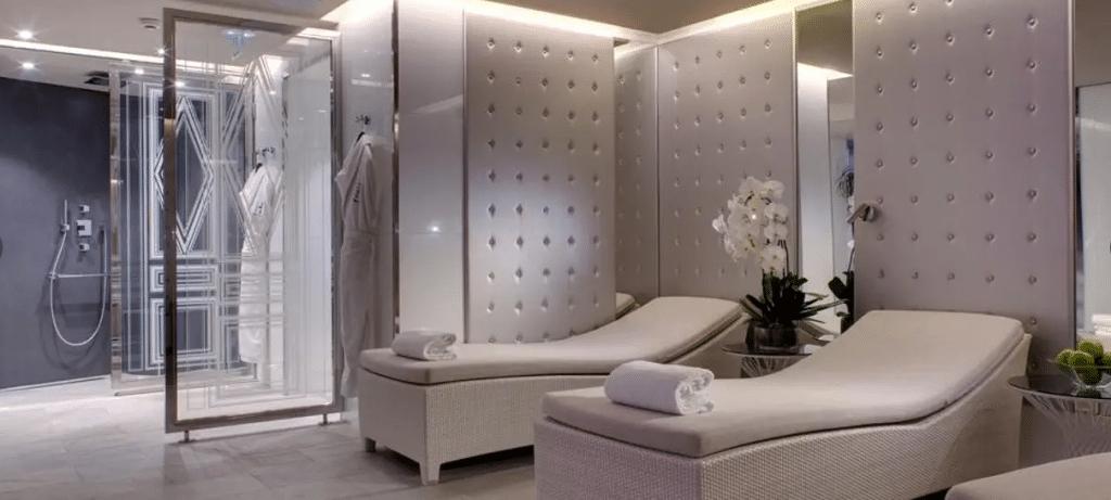 Hôtel de luxe à Paris avec spa et piscine : espace détente : Villa Haussmann